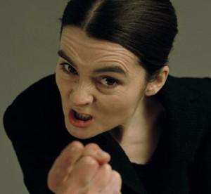 wanita marah sebal kesal hehehe 300x276 - Perangkap Magis WTF PelaBuran Hartanah