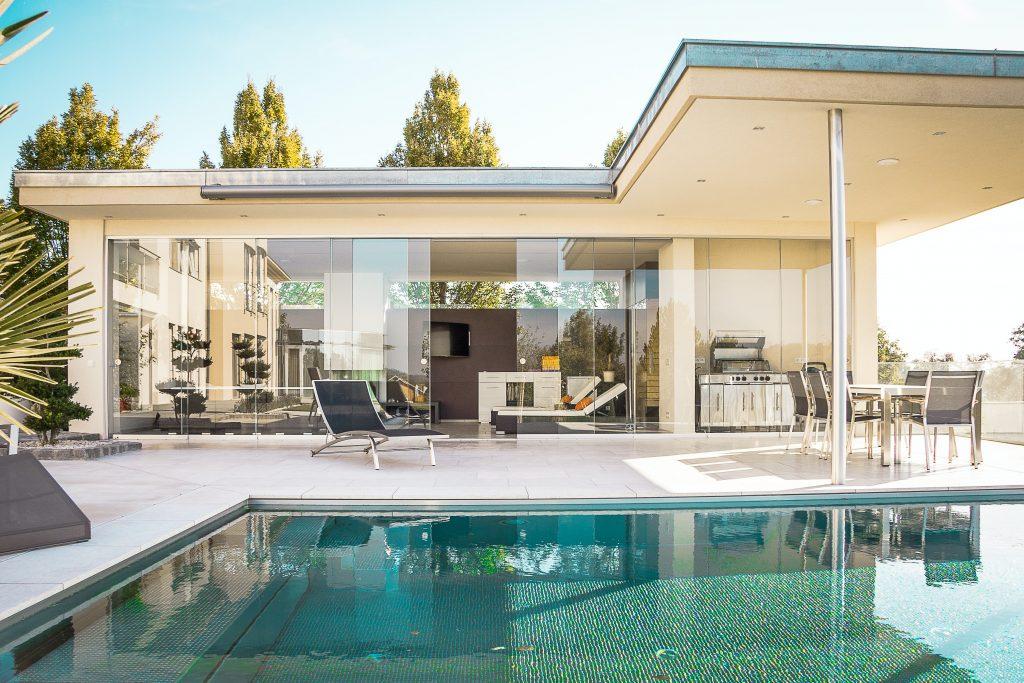 florian schmidinger b 79nOqf95I unsplash 1024x683 - The Real Estate Choice Story for You